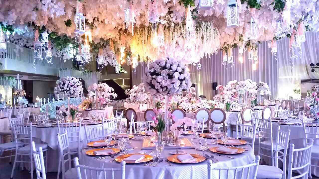 All You Need To Know About Wedding Tipping Etiquette